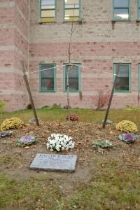 In Memory of Teacher William Glad (3)